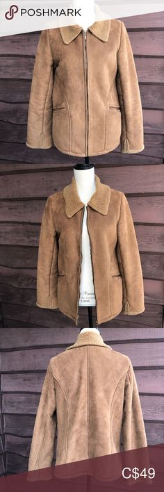 Vintage Sherpa Coat Cozy brown suede-feel coat in excellent vintage condition. Straight out of the by Cherokee, and back in style with its teddy bear sherpa lining. Plus Fashion, Fashion Tips, Fashion Trends, Vintage Jacket, Brown Suede, Cherokee, Vintage Ladies, Blazers, Jackets For Women