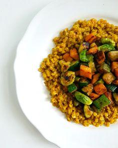 Plant Based Diet, Chana Masala, Bacon, Veggies, Healthy Recipes, Meat, Ethnic Recipes, Gerbera, Food