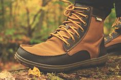 LEMS SHOES BOULDER BOOT. A barefoot boot that gives a natural feel to your step.