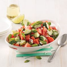 Salade de concombre, melon et feta - 5 ingredients 15 minutes Mozzarella, Tofu, Cobb Salad, Potato Salad, Salsa, Food And Drink, Pizza, Cooking, Ethnic Recipes