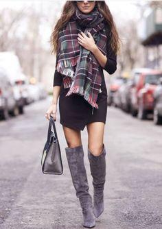 Llevar los zapatos adecuados a la oficina pueden darte un look completamente diferente.¡Toma nota de los zapatos que debe de tener toda una working girl! Checa los 8 tipos de zapatos que necesitas para la oficina.1) Stilettos color negro: Elegantes y discretos, harán de...