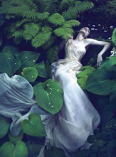 Vogue: like a Painting | Rooney Mara por Mert Alas e Marcus Piggott.