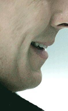 Benedict Timothy Carlton Cumberbatch, you CANNOT look at people like that. It's simply not allowed! Smile Gif, Sherlock Holmes Benedict Cumberbatch, Mrs Hudson, Sherlock Fandom, 221b Baker Street, John Watson, Johnlock, Martin Freeman, Doctor Strange