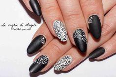Arabesque Nail Art