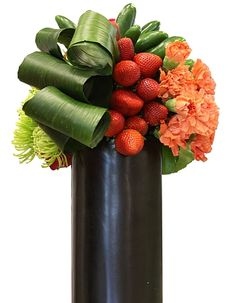 More at: Flower Show Flowers For Tips, Pics and Helpful Floral Design Hints www. Flower Show, Flower Art, Modern Floral Design, Corporate Flowers, Modern Flower Arrangements, Fruit Flowers, Arte Floral, Display Design, Ikebana