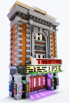 Somerville Theater : Two relatively small buildings for the new LEGOLAND Discovery Center Boston, designed by Yours Truly. The colors were very fun to work with- the colored lights rotate through a cycle of colors! Legos, Modele Lego, Construction Lego, Mega Pokemon, Lego Display, Amazing Lego Creations, Lego Modular, Lego Design, Lego Worlds