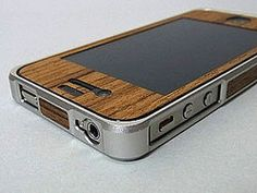 "『Alloy×Wood Bumper 5001 - Silver×Teak』(    IPhone KODAWARI case of using a combination of natural wood and aluminum ""Alloy × Wood Bumper 5001 - Silver × Teak"" ("