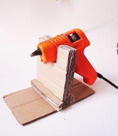 Pat Pacheco Arte Pop: Faça seu próprio suporte para a pistola de cola quente