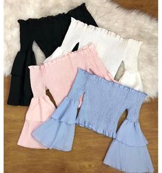 Lindas blusinhas fofa in 2020 Lazy Outfits, Cute Comfy Outfits, Crop Top Outfits, Teenage Outfits, Cute Summer Outfits, Korean Outfits, Mode Outfits, Outfits For Teens, Pretty Outfits