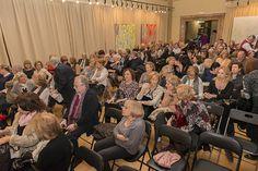 """Más de 200 personas abarrotaron el Salón de Exposiciones del Ateneo Mercantil de Valencia para la presentación de """"Si algún día vuelvo..."""", de Amparo Andrés. Un éxito"""