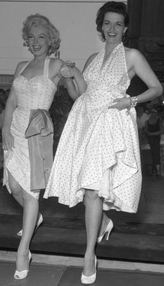 Marilyn Monroe and Jane Russell at Chinese Theater - 1945–60 in fashion -  Wikipedia 9a9f14f6b420