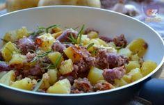 Salsiccia e patate in padella, secondo veloce