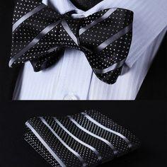 Elegantný hodvábny set - motýlik a vreckovka so štruktúrou v čiernej farbe