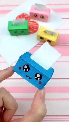 Cool Paper Crafts, Paper Crafts Origami, Diy Paper, Fun Crafts, Paper Art, Kawaii Crafts, Tissue Box Crafts, Ag Doll Crafts, Tissue Boxes