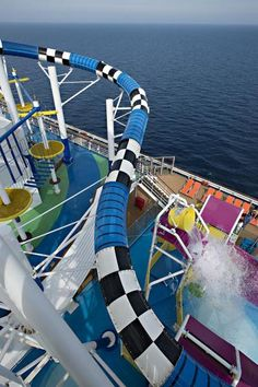 @Paulina P Briones Waterparks  #Waterparks new water park on #cruiseship Carnival Sunshine #polin