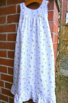 Designs by BellaBug: A Girly Nightgown