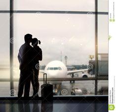 Innamorati In Aeroporto - Scarica tra oltre 40 milioni di Foto, Immagini e Vettoriali Stock ad Alta Qualità . Iscriviti GRATUITAMENTE oggi. Immagine: 13075258