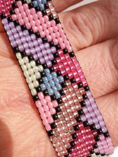 Arco iris wowen de pulsera en telar verano pulsera toho jewerly Rainbow wowen of bracelet on loom summer bracelet toho Loom Bracelet Patterns, Seed Bead Patterns, Bead Loom Bracelets, Beaded Jewelry Patterns, Beading Patterns, Embroidery Patterns, Bracelet Crochet, Bead Crochet, Bead Loom Designs