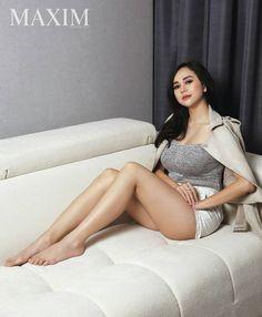 "7,039 Likes, 271 Comments - MAXIM Indonesia (@maximindonesia) on Instagram: ""Happy long weekend! | @aurakasih | . . #thismaximlife #Maximindonesia #aurakasih #model #sexy…"""