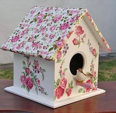 Crafts To Do, Hobbies And Crafts, Home Crafts, Paper Crafts, Diy Crafts, Decorative Bird Houses, Bird Houses Painted, Bird Houses Diy, Birdhouse Craft
