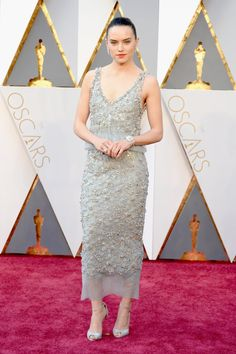 Pin for Later: Daisy Ridley Looks Out of This World at the Oscars