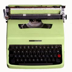 La Lettera 32 è una macchina per scrivere Olivetti portatilecLettera 32 prodotta commercializzata a partire dal 1963. Progettata dall'architetto e designer Marcello Nizzoli
