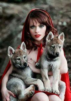 z- Little Red Riding Hood w Wolf Cubs (Caperucita Roja Cosplay) Beautiful Wolves, Animals Beautiful, Beautiful Redhead, Beautiful Eyes, Der Steppenwolf, Animals And Pets, Cute Animals, Animals Planet, Wolf Love
