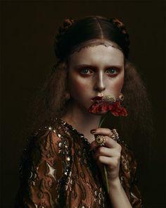 RENAISSANCE - model: Madison Stubbington - photography: Kiki Xue - fashion editor / styling: Sissy Vian - hair: Yannick D'ls - makeup: Marie Duhart - manicure: Chloe Desmarchelier - Flair #18 October 2015
