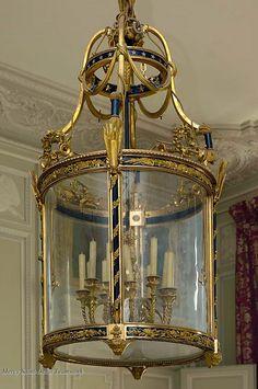 Lanterne, salon de compagnie du Petit Trianon, attribuée à Pierre-Philippe Thomire, 1785.