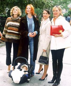 Few squads have resonated with this generation like the fabulous ladies of Sex and the City. Carrie Bradshaw, Samantha Jones, Charlotte York and Miranda Ho Carrie Bradshaw Outfits, Charlotte York, Kim Cattrall, Samantha Jones, Winter Jackets, It Cast, Entertaining, Mom, City