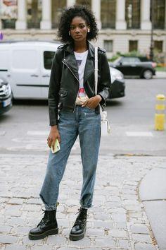 Models Off Duty Summer Street Styles Leather Jacket Dress, Jean Jacket Outfits, Jacket Jeans, Dr Martens Outfit, Dr Martens Boots, Cool Outfits, Summer Outfits, Mom Jeans Outfit, Street Style Summer
