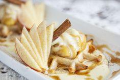 Recette de minis gaufres à la cannelle, pommes et crème bavaroise à la vanille—Une recette qui se prépare à l'avance pour un brunch style buffet ou pour se faire plaisir la fin de semaine. Brunch, Apple Pie, Camembert Cheese, Minis, Creme, Buffet, Dairy, Coconut, Style