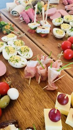 Party Platters, Food Platters, List Of Appetizers, Catering Van, Party Finger Foods, Gatsby Party, Nutrition, Tapas, Easy Meals