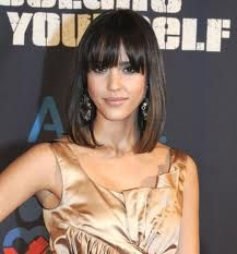 Jessica alba with zooey blunt bangs