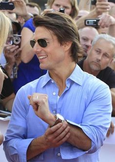 20 Best Dressed Men in Hollywood - Tom Cruise Katie Holmes, Stylish Casual Outfits For Men, Nicole Kidman, Amanda Seyfried, Most Handsome Actors, Best Dressed Man, Logan Lerman, Hommes Sexy, Hollywood Actor