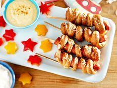 So macht das Kochen für Kinder Spaß: Teigtaschen werden zu Ufos, im Würstchen stecken Spaghettikabel und im Salat schwimmen Schinken-Fische. Unsere schönsten Rezepte!