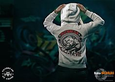 Hoodie be strong and Survive #ladys Shop: www.outbreak-of-crime.de  Foto by #fotoschuh #outbreakofcrime #hoodie #bear #fightwear #streetwear #onlineshop #photoshooting