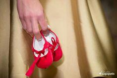#redshoes #girlshoes #picoftheday #photooftheday #christening #baptism #babygirl #golddress www.lagopatis.gr