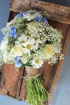 rustic chic spring wedding bouquets/ elegant spring wedding bouquets #weddingbouquets #RusticChicWeddings