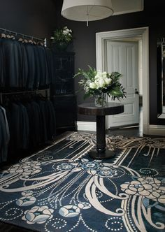 I am a huge fan of Catherine Martin. What a woman! Love this gorgeous rug <3