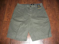NWT SALTAIRE DARK GREEN FLAT FRONT SHORTS, SZ 32. EXCELLENT CONDITION!  #SALTAIRE #CasualShorts
