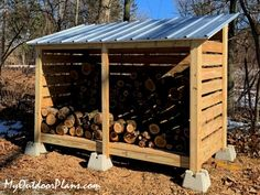 Outdoor Firewood Rack, Firewood Shed, Firewood Storage, Wood Storage Sheds, Fire Wood Storage Ideas, Diy Yard Storage, Diy Storage Outdoor, Backyard Sheds, Wooden Playhouse