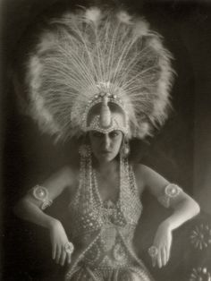 "white peacock on 'glorious' gloria. // Gloria Swanson in ""Male and Female"" (1919)"