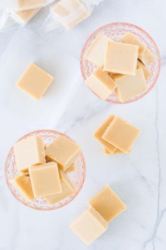 The very BEST cream fudge. Crisp on the outside with a soft and gooey center that just melts in your mouth. My version of traditional Polish Krówki. Fudge Recipes, Candy Recipes, Sweet Recipes, Baking Recipes, Dessert Recipes, Easter Recipes, Homemade Fudge Brownies, Homemade Candies, Just Desserts