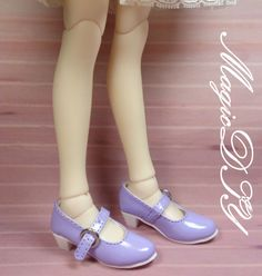 1/4 BJD Doll Shoes  Size:inner length 6cm  Available color: Blue,Red,Pink,Black,White,Purple  Material: PU leather  Quantity:1 pair of boots  Shipping: to worldwide with tracking number  Condition: Brand new and never used,doll shoes production process is very elaborate and complex,by professional craftsmen handmade complete,But all handmade there may be slight imperfections, such as the stitch or subtle traces of glue, if you are very perfectionist Please carefully consider .  Notice: C...