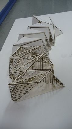 pavilion architecture a more structural view of how the folds can layer on top one another Architecture Pliage, Architecture Paramétrique, Concept Models Architecture, Maquette Architecture, Architecture Model Making, Futuristic Architecture, Sustainable Architecture, Arch Model, Roof Design