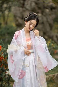 Archive for Chinese History, Culture, & Creativity Traditional Fashion, Traditional Dresses, Traditional Chinese, Hanfu, Yukata, Japanese Wedding Kimono, Korean Bride, Oriental Fashion, Oriental Style