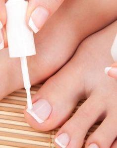 sublimez vos ongles de pieds avec du vernis.