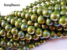 LIVE Now! Bidding will begin @Memo Frappé ESTSeafoam Green Beads. Starting at $6 on Tophatter.com!