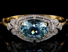 Spectacular 39.00 Carats natural aquamarine and 2.90 Ct diamond heirloom bangle, Art Deco or Art Deco style